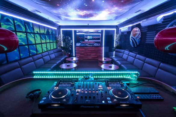Urban Insider: DJ Mikey Moran, Co-founder of Bali Praia, Bali's Hottest New Music Venue